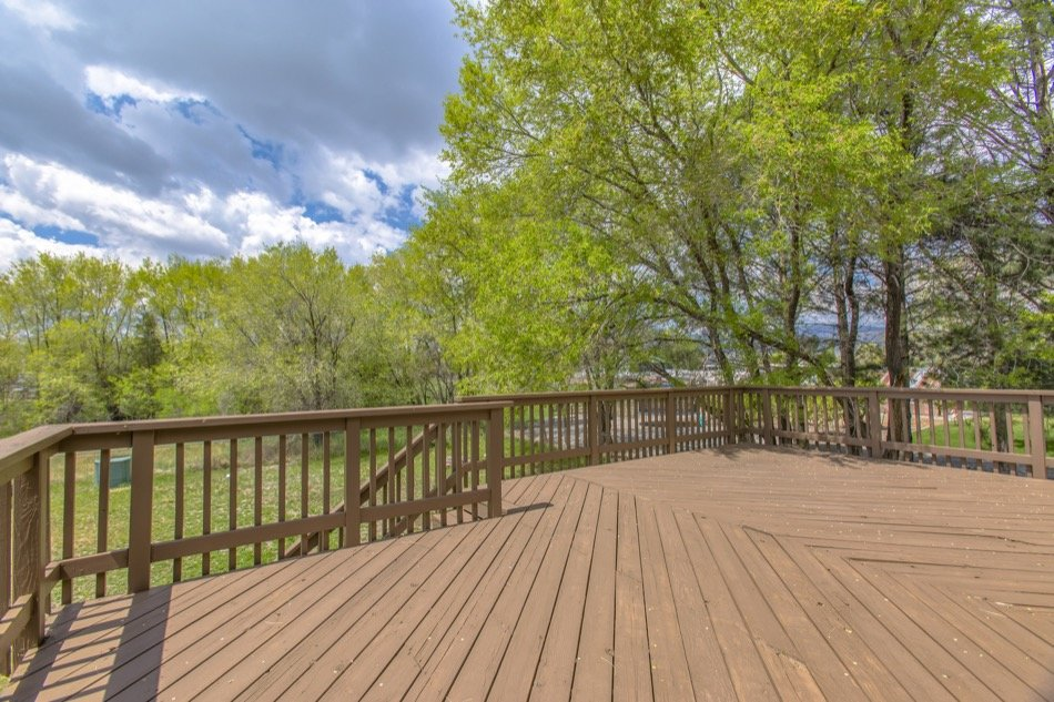 4 Things to Consider Before Adding a Deck